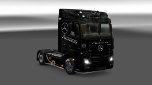Mercedes MP4 White and Black Star Skins