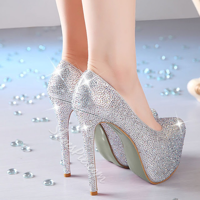 Sapato debutante, prata com salto alto