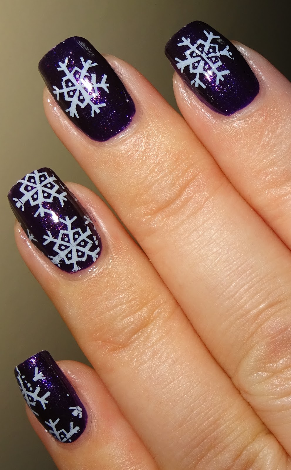 Wendy\'s Delights: Iced Snowflake Nail Foil from Sparkly Nails