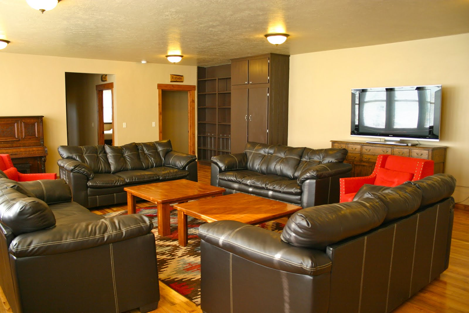 Lodge- Family Room