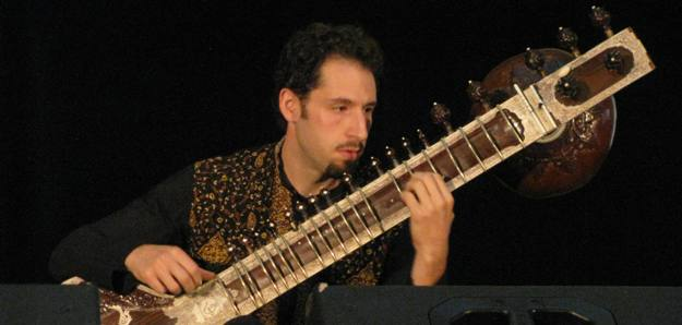 Sitarist Josh Feinberg performing at World Music Festival Chicago