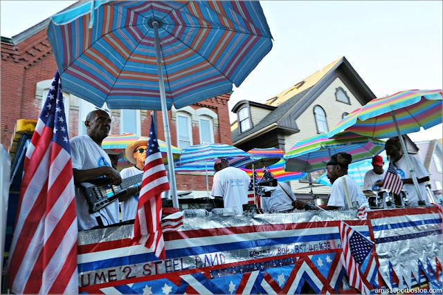 Carrozas de Fiestas Tropicales en el Desfile del 4 de Julio en Rockport