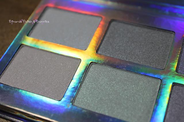 Rival de Loop Rainbow Shimmer Eyeshadow Palette