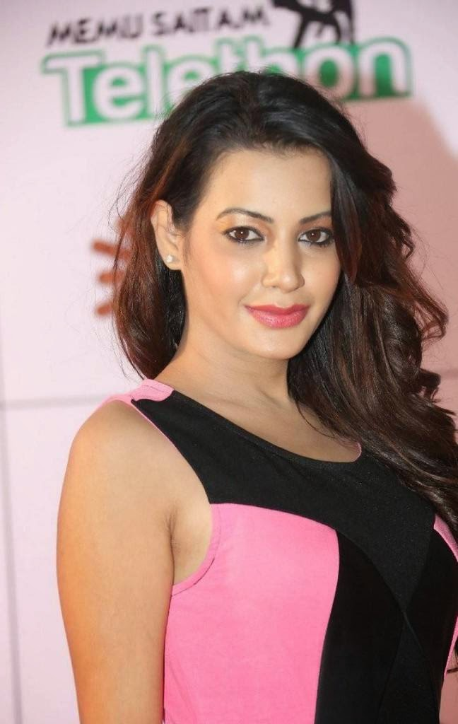 Deeksha Panth Latest Photo Gallery, Deeksha Panth Hot HD Pics in Pink Dress