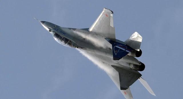اختناق طيار مقاتلة أمريكية فوق سوريا يجبره على الهبوط الاضطراري.