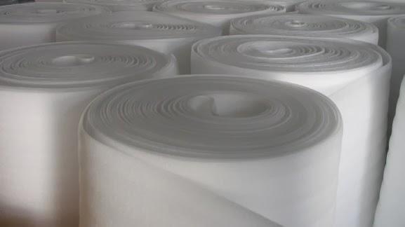 Các cuộn mút PE không lớp bạc dùng để lót đồ bảo vệ hàng khi vận chuyển, chống ẩm