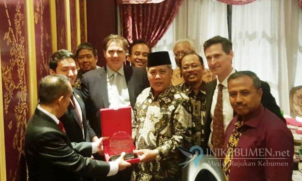 Investor Asal AS Tertarik Berinvestasi di Kebumen