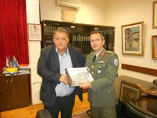 Ο νέος Διοικητής του 15ου Συντάγματος στον δήμαρχο Καστοριάς
