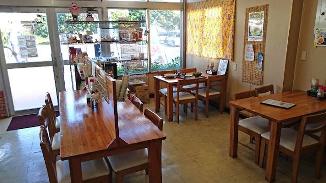 よなばる食堂の店内の写真