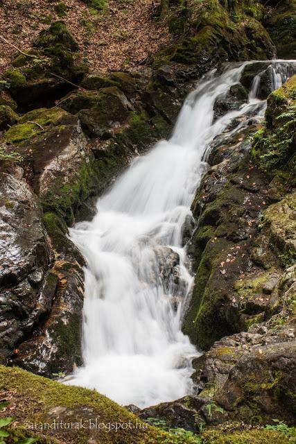 Buta-vízesés a Retyezát Nemzeti Parkban
