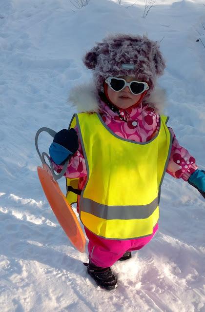 liukuri talvihauska lapsi talviharrastus