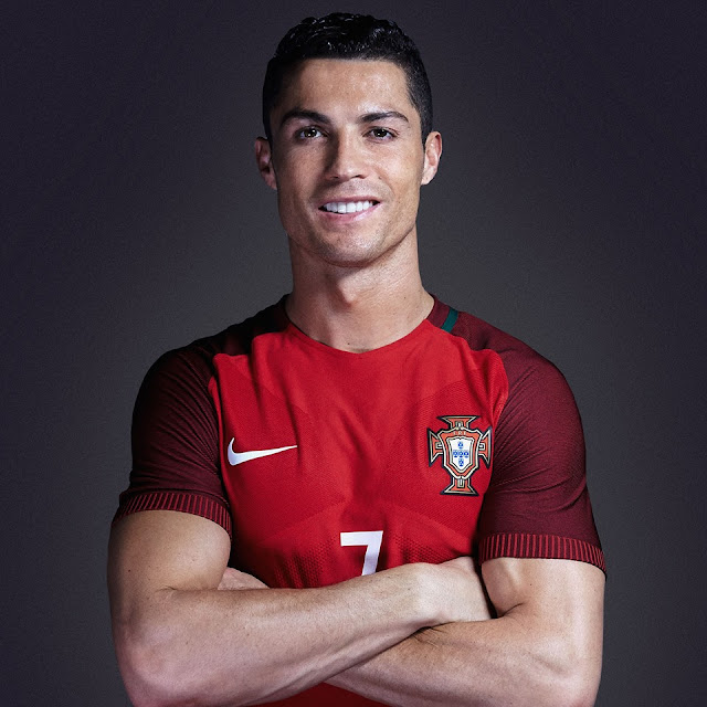 Cristiano ronaldo cr7,girlfriend,News,goals,Skills, profile,football,biography,Number,Team,website,