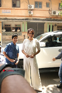 Bollywood Actress Bipasha Basu Unviels Health Nutrition Success Issue Pos  0002.JPG