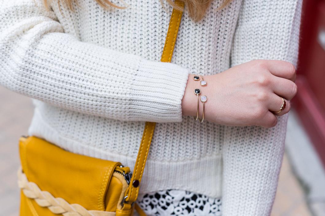 détails bracelets fins jonc or