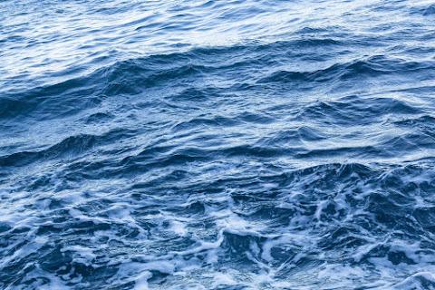 NHK特集ドラマ「 海底の君へ 」を観て|なにごととも比べずに、人に、神に受け止められることが要る