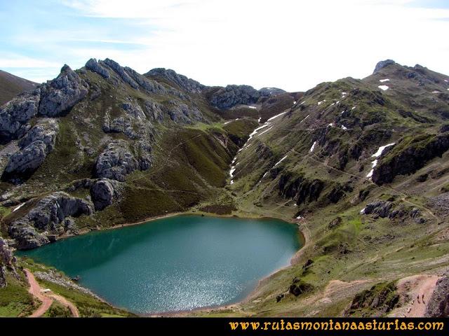 Ruta Farrapona, Albos, Calabazosa: Vista del Lago La Cueva
