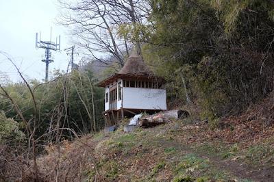 松本市四賀の古民家カフェ kajiya(カジヤ)裏小屋