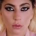 'Million Reasons' recibe certificado de platino por sus ventas en Australia
