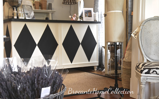 Brocante Home Collection S Paintbrush And Pearls Painting