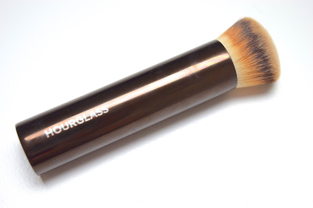 a picture of Hourglass Vanishing Foundation Brush