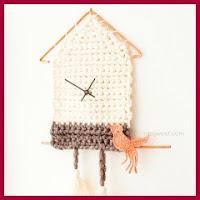 Reloj de pared a crochet