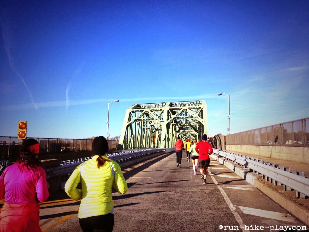 "Trenton 10K heading to ""Trenton Makes The World Takes"" Bridge"