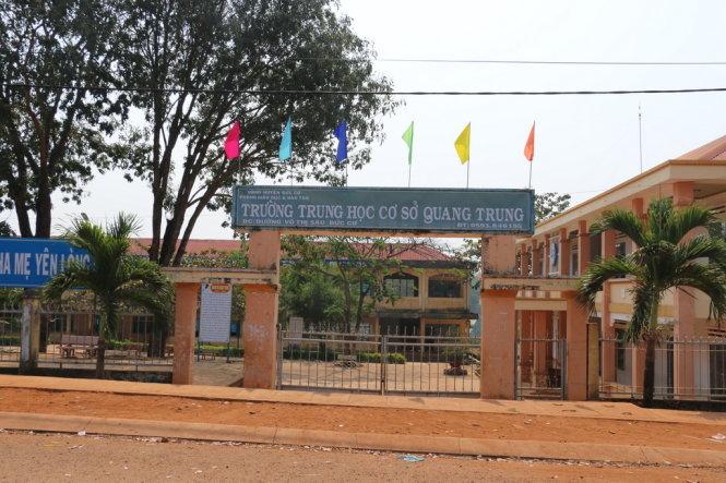 Gia Lai: Xử nghiêm thiếu tá công an vào trường đánh bảo vệ