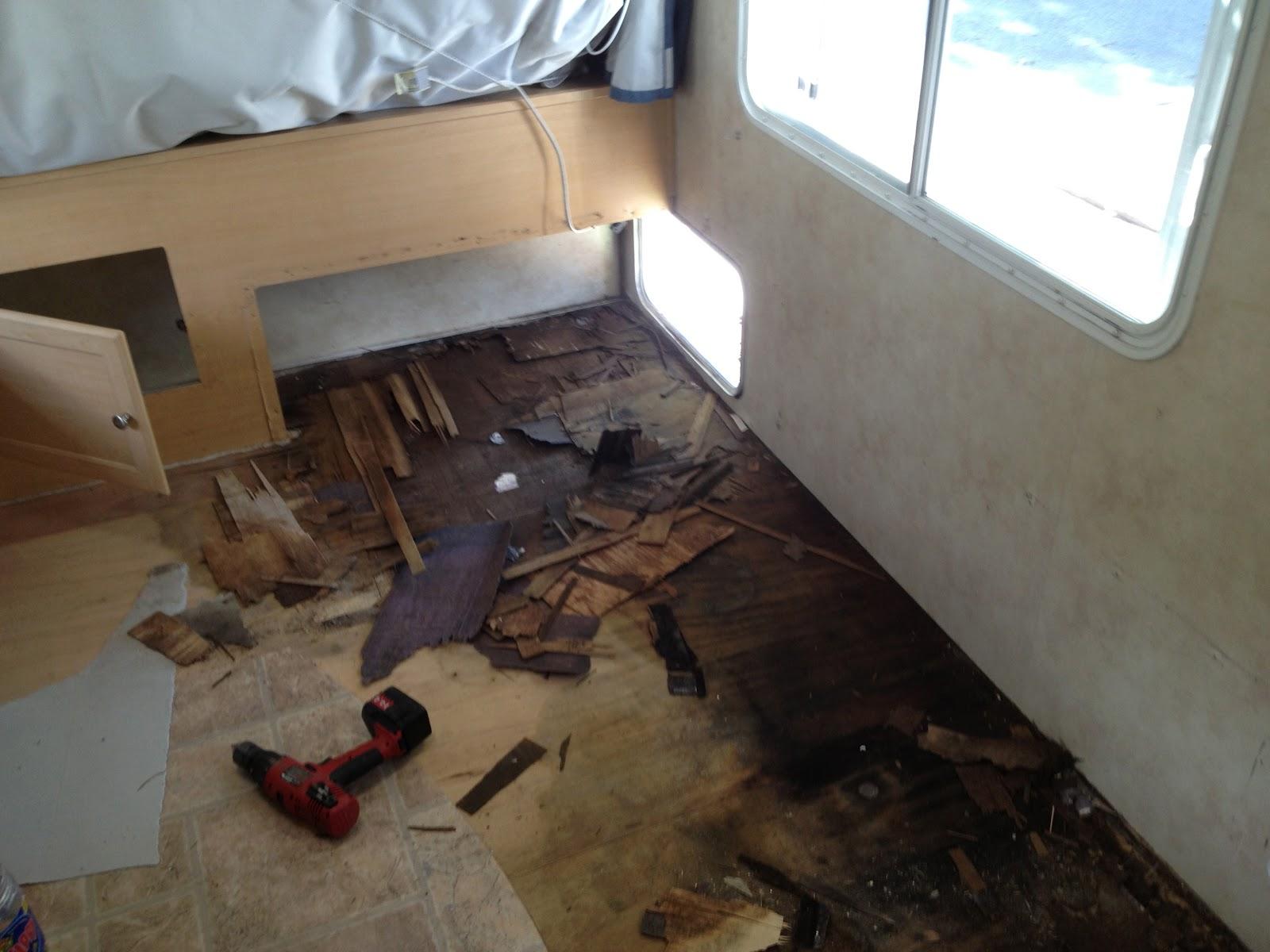 theknee r paration plancher de aerolite cub. Black Bedroom Furniture Sets. Home Design Ideas