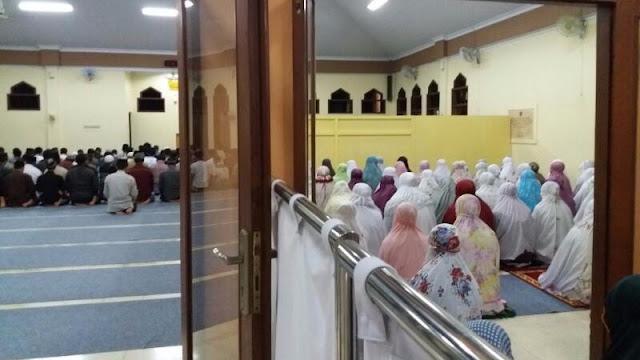 Tahajjud Berjamaah Bentuk Spirituality Capital Mahasiswa Unmuh Jember