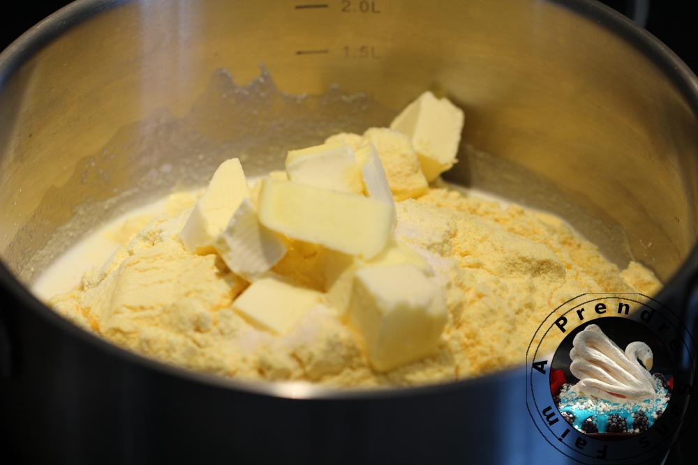 Pain sans gluten à la farine de maïs (pas à pas en photos)