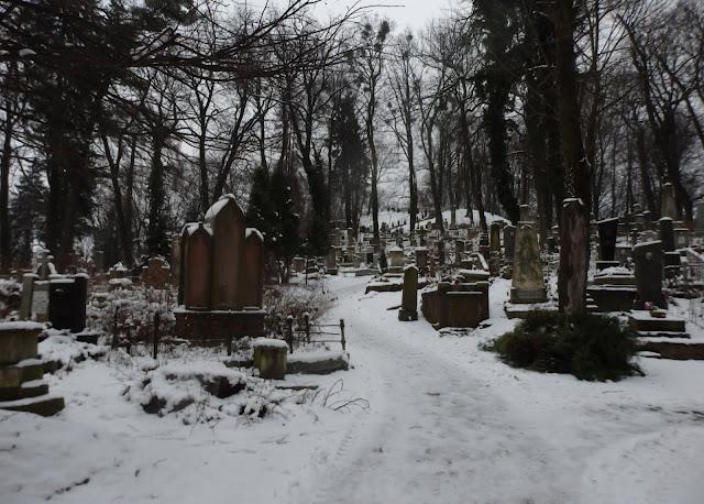 Lwów. Cmentarz Łyczakowski w zimowej odsłonie