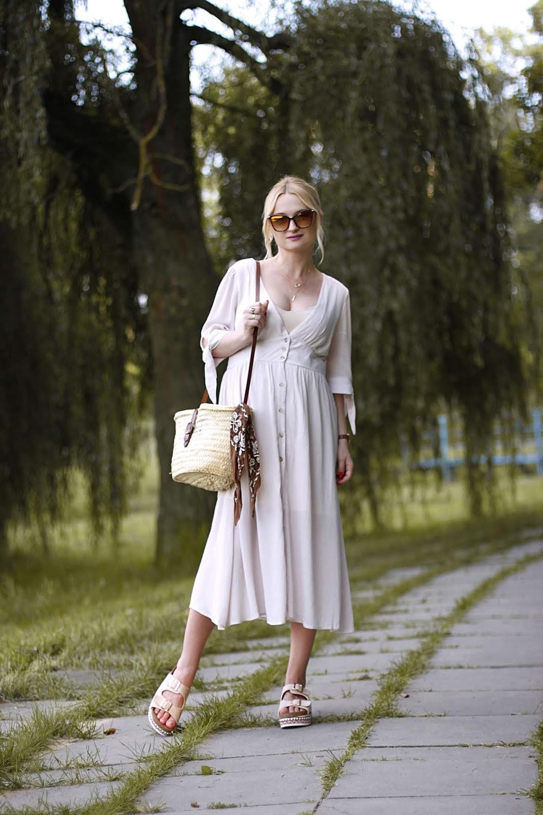 Kremowa letnia sukienka