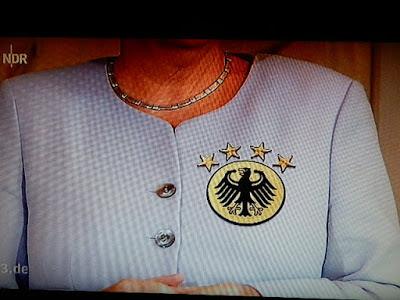 http://www.rp-online.de/politik/deutschland/angela-merkel-gibt-kanzlerkandidatur-offiziell-bekannt-diese-wahl-wird-wie-keine-zuvor-aid-1.6409382