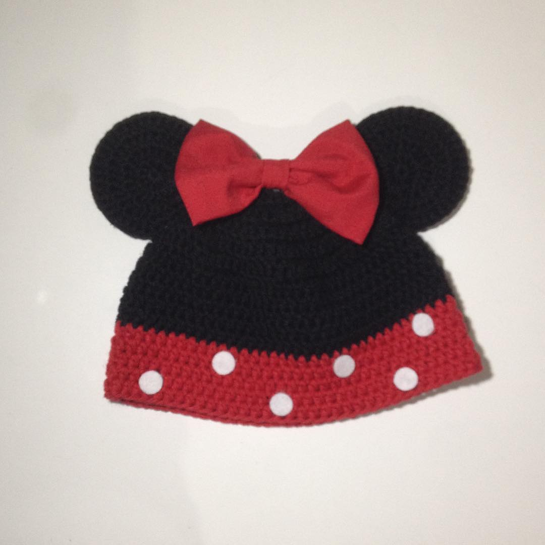 Crochet and Other Stuff: Minnie Mouse Hat - free crochet pattern