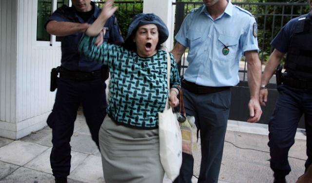 ΠΑΘΑΜΕ ΣΟΚ! Η απίστευτη μεταμόρφωση της Ελένης Λουκά! (photos)