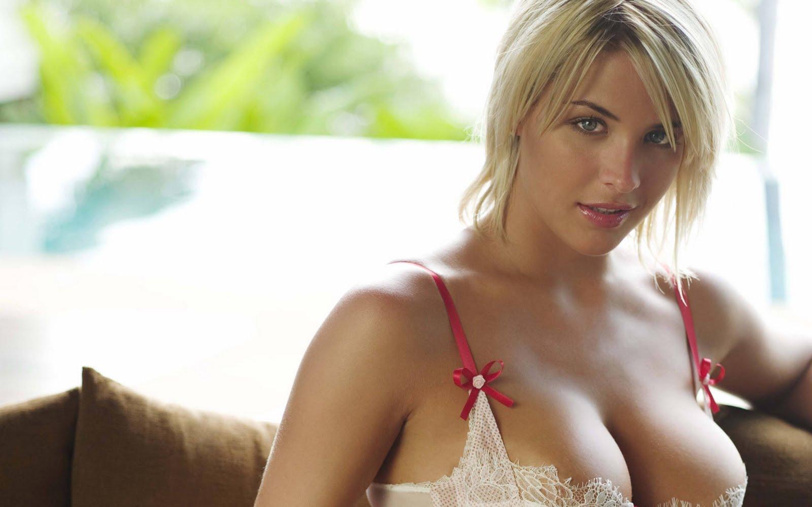 hot women in movies