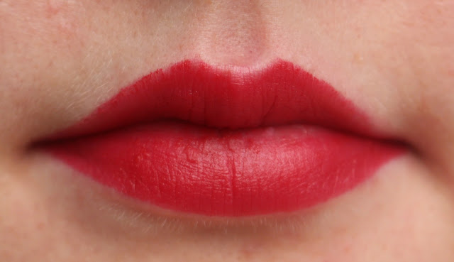 Photograph of the Avon Perfectly Matte Lipstick in Red Supreme