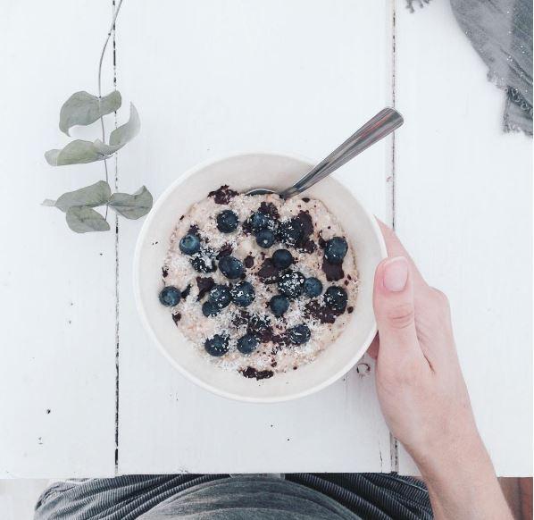 porridge lait de coco chocolat myrtilles