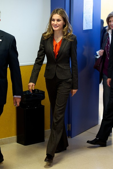 Crown Princess Letizia of Spain visited Professional Training and High School Centers in Burgos, Spain. Letizia wore Hugo Boss pantsuit, blazer