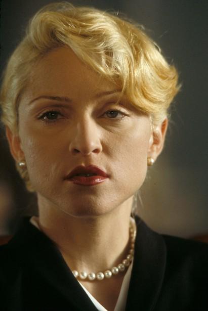 Madonna Body of Evidence 1993 movieloversreviews.blogspot.com