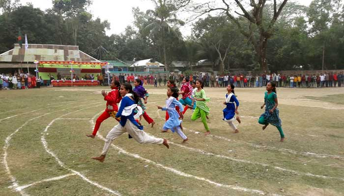 Athletics competitions and rural sports were held in Srivardi