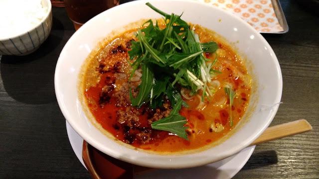 ラーメン居酒屋BABAKE 麻辣担々麺、汁なし担々麺が激うま!これはちゃんぽん食べてる場合じゃないレベル!