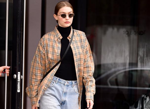 Gigi Hadid ya lleva los jeans que serán tendencia esta primavera