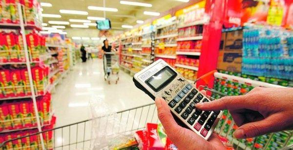 Alfonzo Bolívar: Salario mínimo en Venezuela alcanza para comprar solo dos productos alimenticios