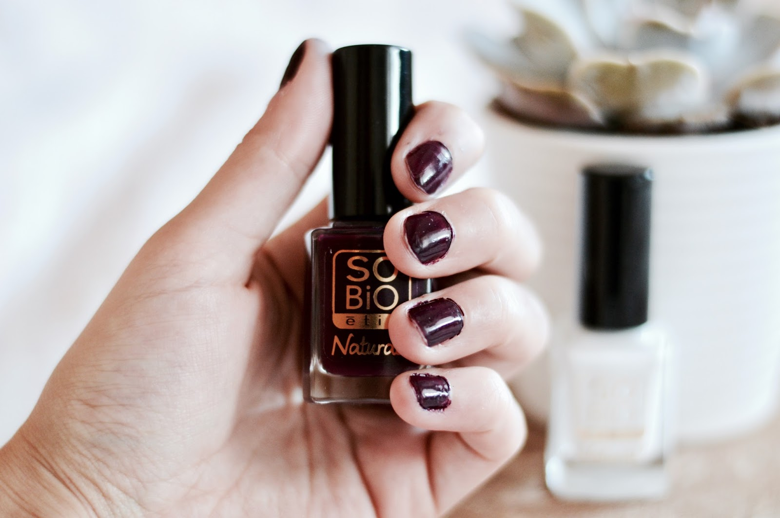 Vernis SO BiO' Etic prune noire et blanc french