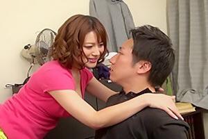 근친 야동- 조카의 거시기를 탐하는 이모~ Riko Honda