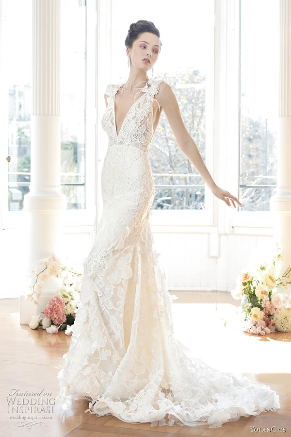 Rhodeshia's blog: White Wedding Pew Bows Decorating for a ...
