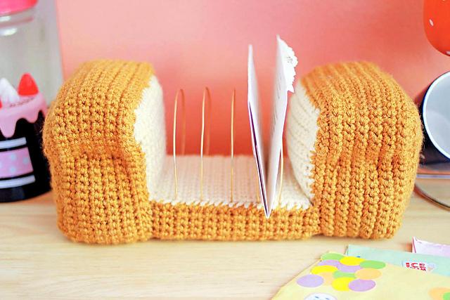 Bread Loaf Letter Organizer crochet pattern