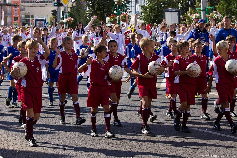 Юные футболисты на праздновании тысячелетия единения мордовского народа с народами России