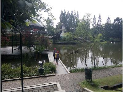 kolam unggas Taman Bunga Nusantara